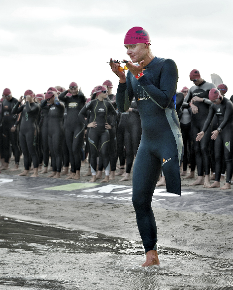 Gert Runes svømmestart ved Ironman 2011. Challenge Copenhagen!